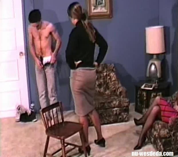 Naked teen ladyboy pics